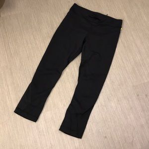 Lululemon black crop leggings 4